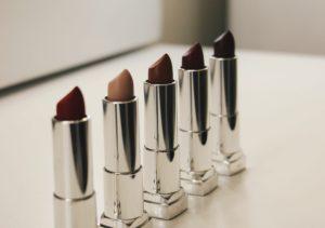 Apply Lipstick Tutorial