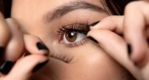 diy - How to apply magnetic eyelashes